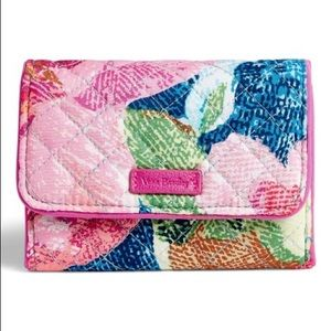iconic RFID compact bifold wallet superbloom